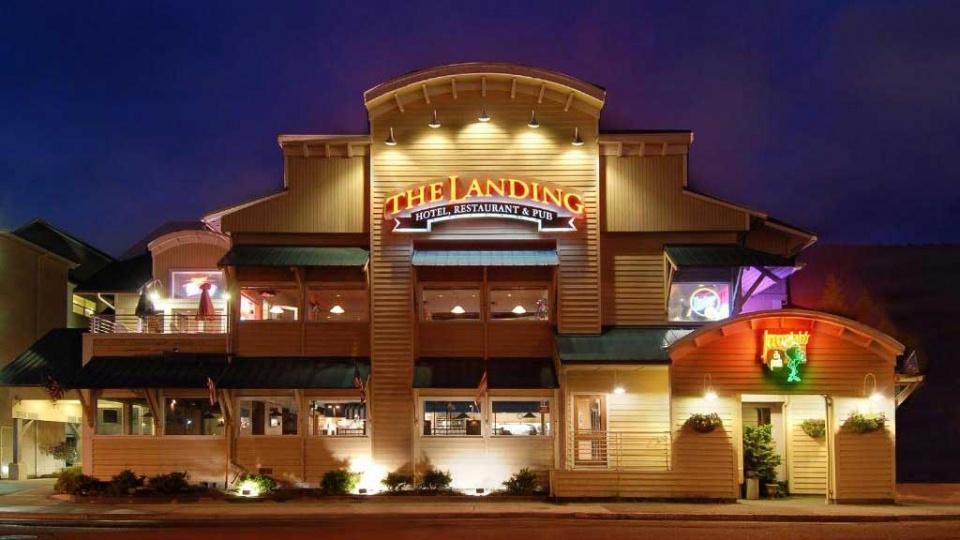 """Cannabis Urlaub """"The Landing Hotel""""Erstklassige Annehmlichkeiten im idyllischen AlaskaEntdecken Sie ein erstklassiges Hotel in Alaskas das cannabisfreundlich ist.https://www.cannabisurlaub.com/hotelangebote/the-landing-hotel"""